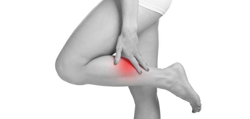 Ømme ben kan være et symptom på gigt